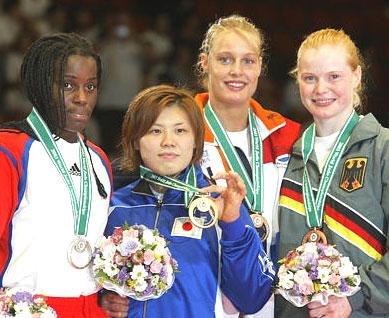 Edith Bosch won in september brons op de WK in Japan. Dat koddige Japannertje vooraan werd eerste