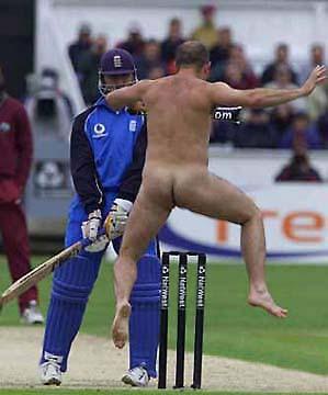 Eindelijk actie in die saaie cricketmatch