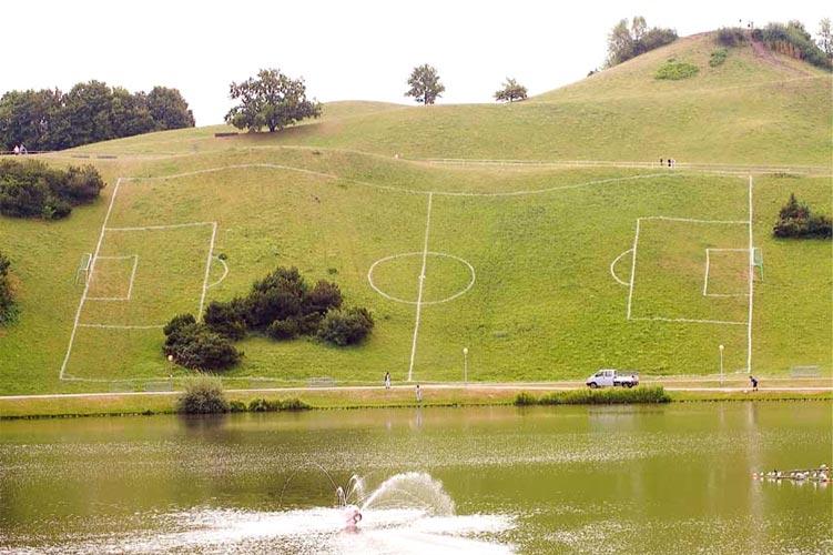 Voetbal met verstoppertje-mogelijkheden